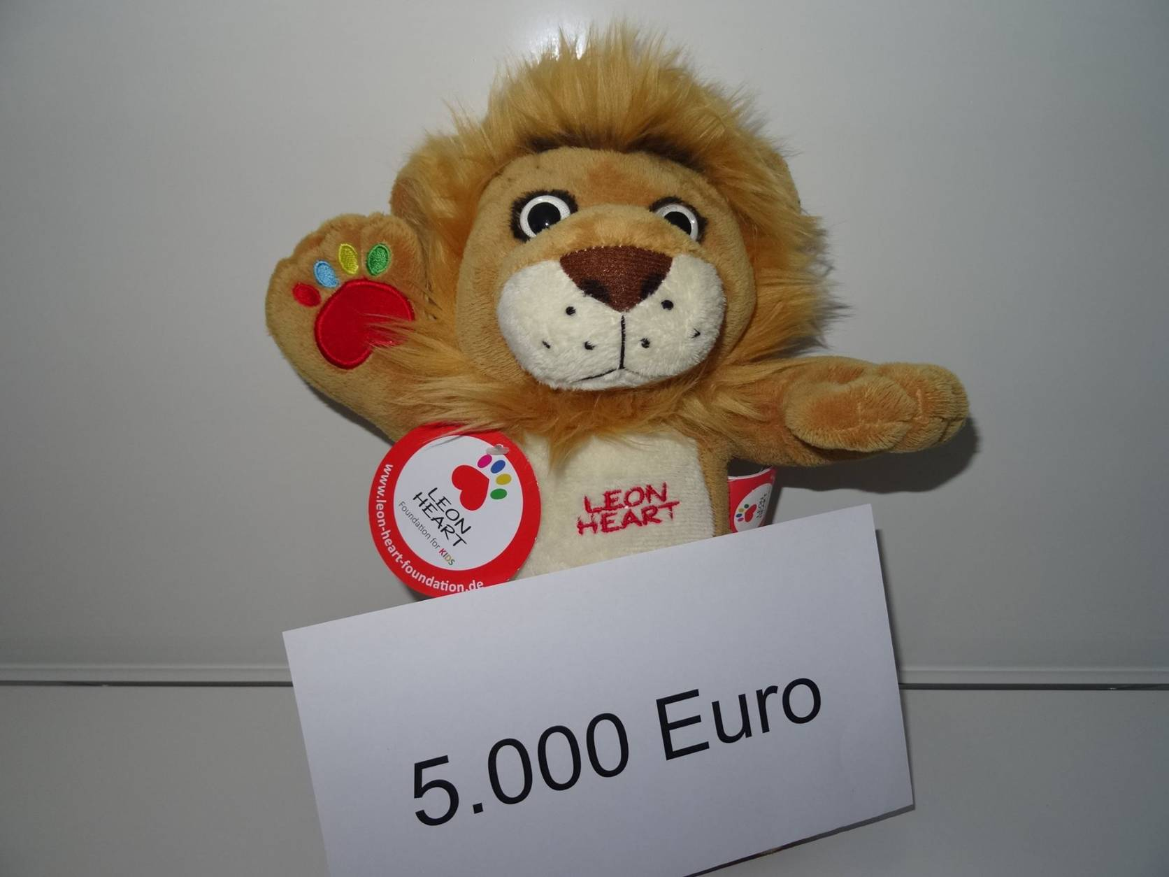 5000 € Spende der Leon Heart Foundation